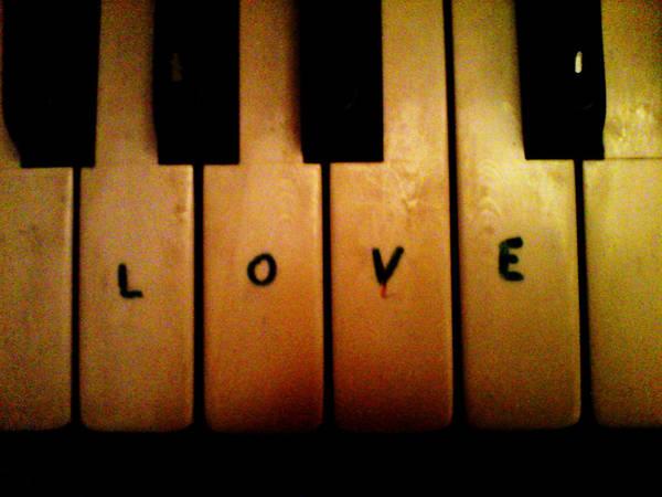 love_by_starduskdreams_d1ppqmg-fullview